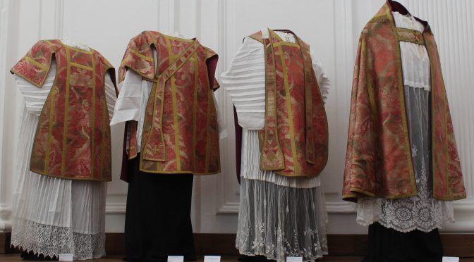 Reportage d'Antenne-Centre sur l'exposition textiles du CHASHa